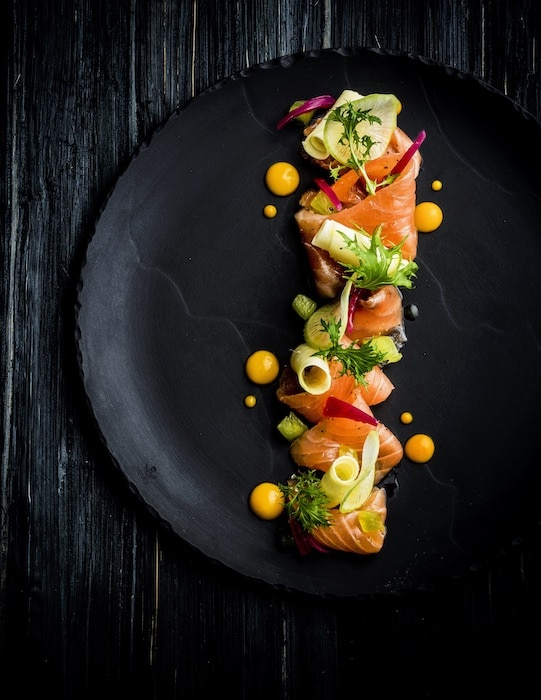 Le carpaccio de saumon mariné de Denny Imbroisi