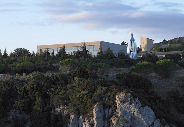 Le Château de Lastours Simone Descamps Blanc 2016