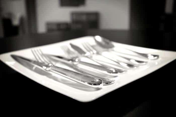 Comment mettre sa table sur son 31 ou l 39 art de recevoir - Comment mettre les couverts sur une table ...