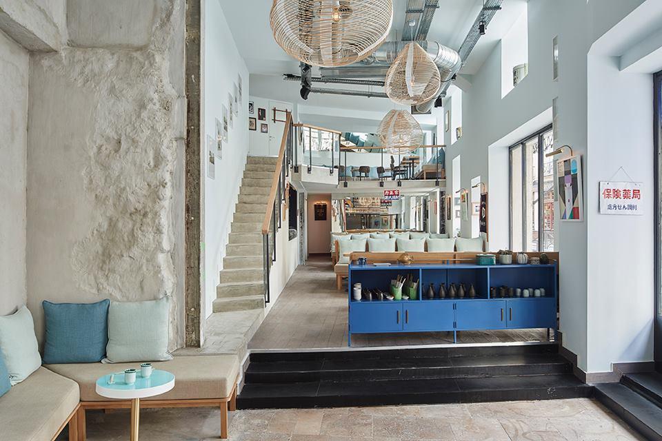 The cod house cocktails japonisants saint germain des for Emploi architecte interieur paris