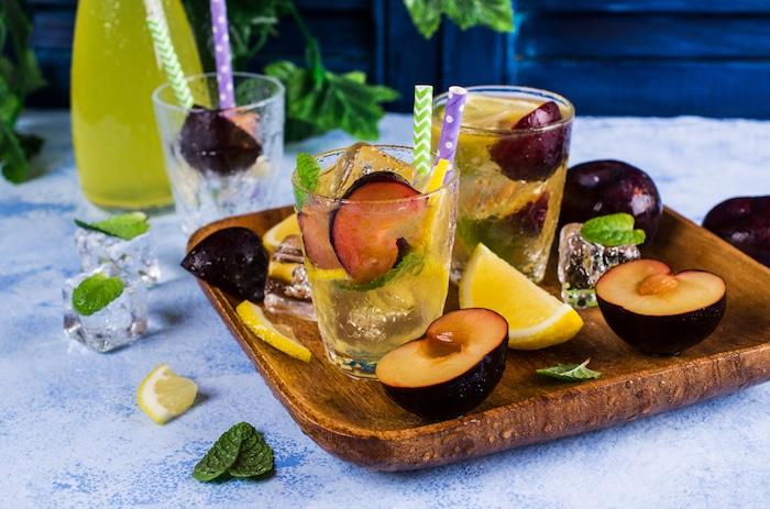 eau detox aux prunes