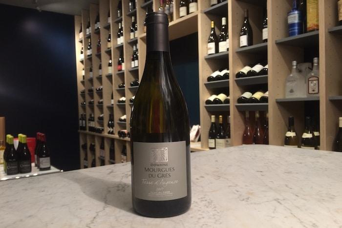 Domaine Mourgues du Grès blanc 2017, le vin de la semaine (Vidéo)