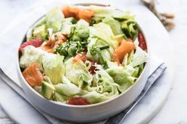 Salade iceberg au saumon