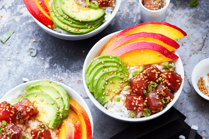 Poke bowl mangue-avocat