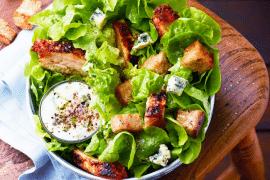 Salade façon César au poulet