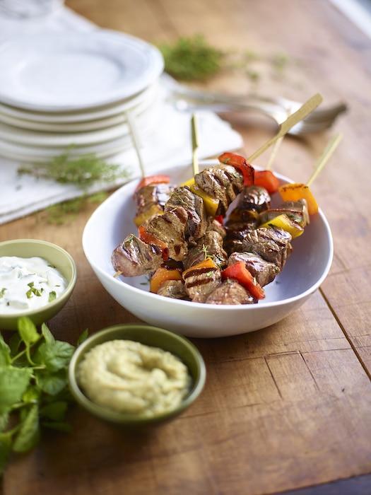 recette de Brochettes d'agneau au caviar d'aubergine