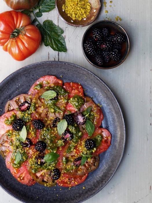 recette de Carpaccio de tomates au pesto de pistache