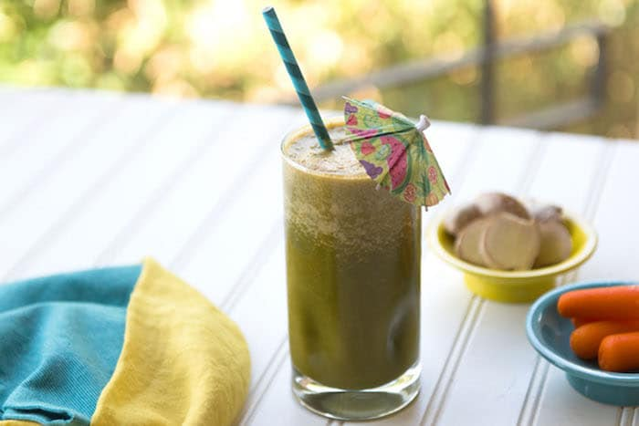 Frozen pineapple tonic mocktails et smoothies