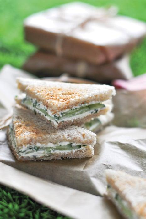 recette de Mini club sandwichs au concombre