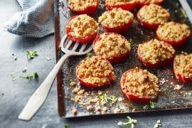 Tomates au four au crumble de parmesan