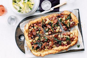 Pizza chèvre et raisins