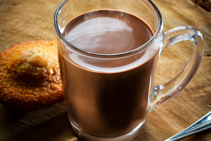 A l'ancienne ou vegan, on aime le chocolat chaud !