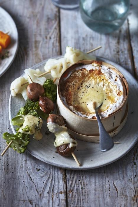 recette de Mont d'Or et brochettes de légumes