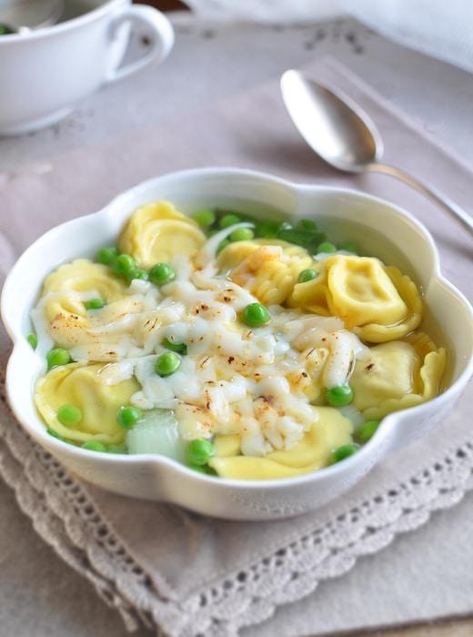 recette de Soupe de tortellini gratinée au fromage