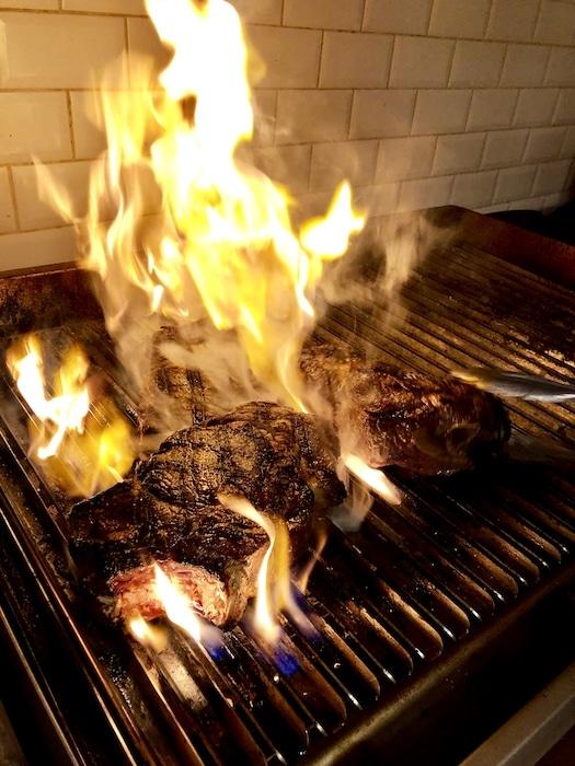 cuisson de côte de boeuf chez Carni