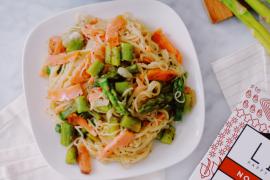 Noodles aux asperges et saumon fumé