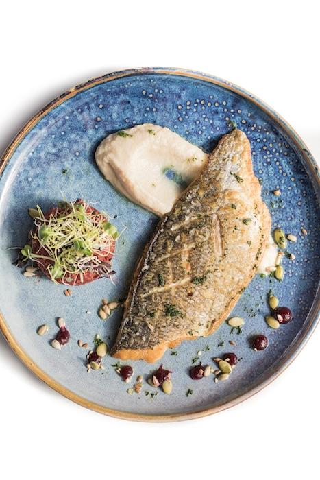 recette de Daurade grillée et quinoa de betterave
