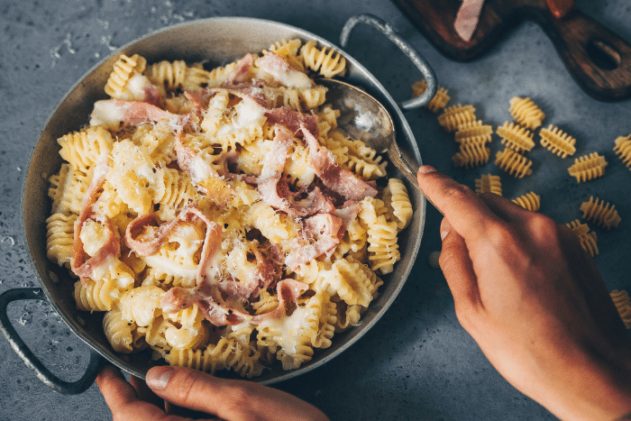 Radiatori à la crème de Beaufort, jambon et truffe - Kiss My Chef