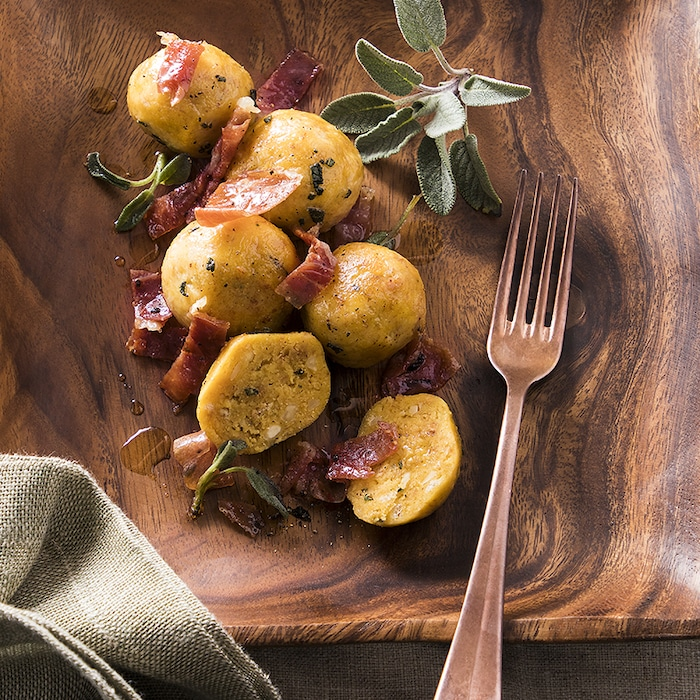 recette de Canederli aux amandes et jambon de Parme
