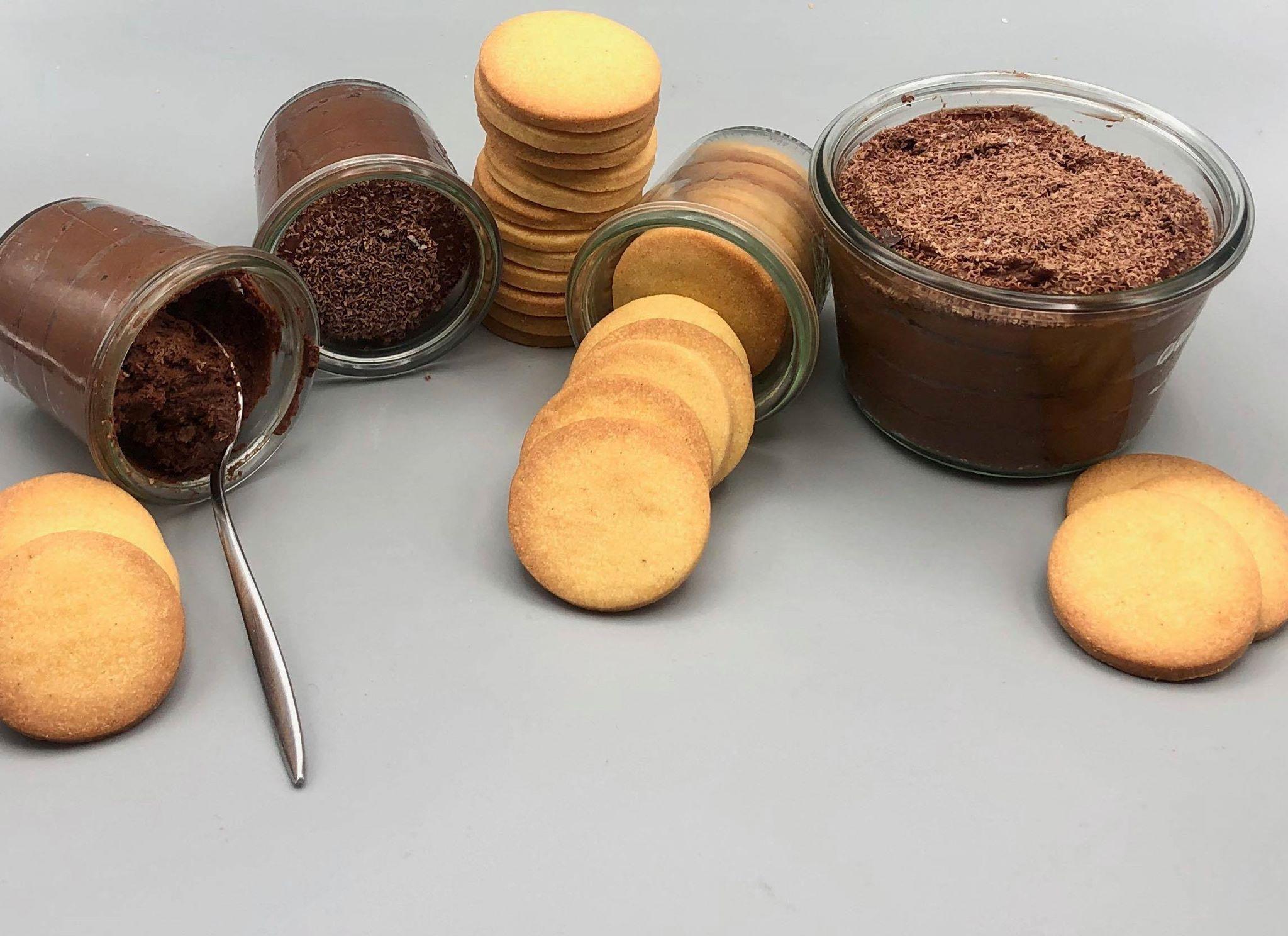 recette de Mousse au chocolat et sablés vanille