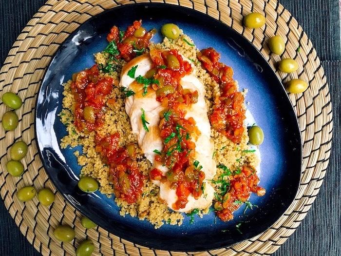 recette de Poulet aux olives et semoule aux épices