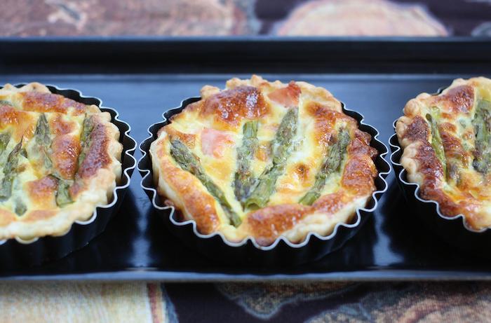 recette de Tartelettes d'asperges au chèvre et saumon