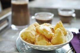 Tempura d'ananas et soupe chocolat
