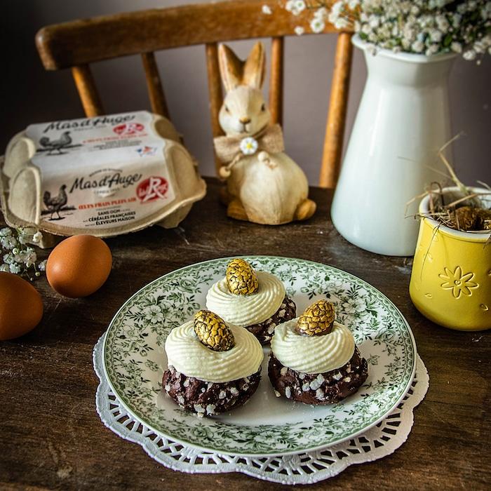 recette Oeufs pralinés et choux au chocolat