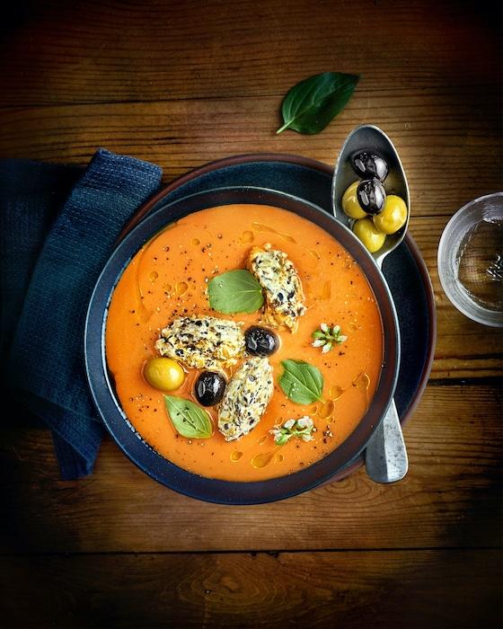 recette de Velouté de tomates au chèvre et olives