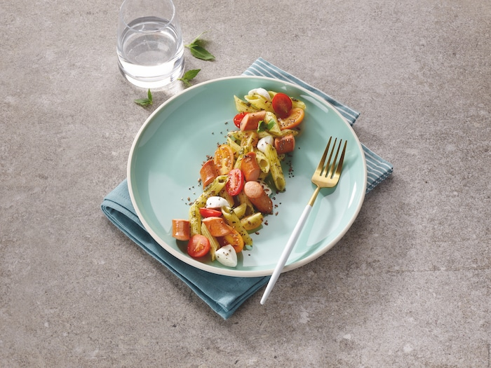 recette de Salade de penne aux knacks et pesto