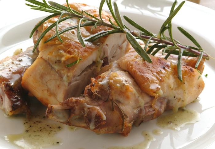 recette de Râbles et cuisses de lapin au romarin