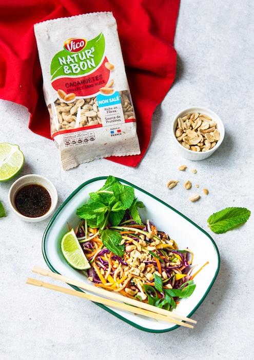 recette de Salade thaï à la mangue et aux cacahuètes
