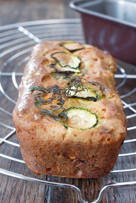 recette de Cake aux courgettes et au chèvre