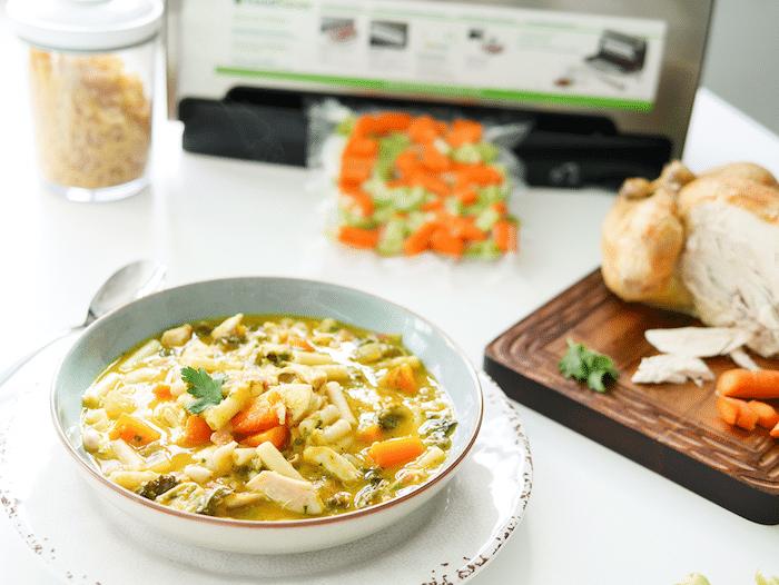 recette de Soupe de pâtes au poulet et aux légumes