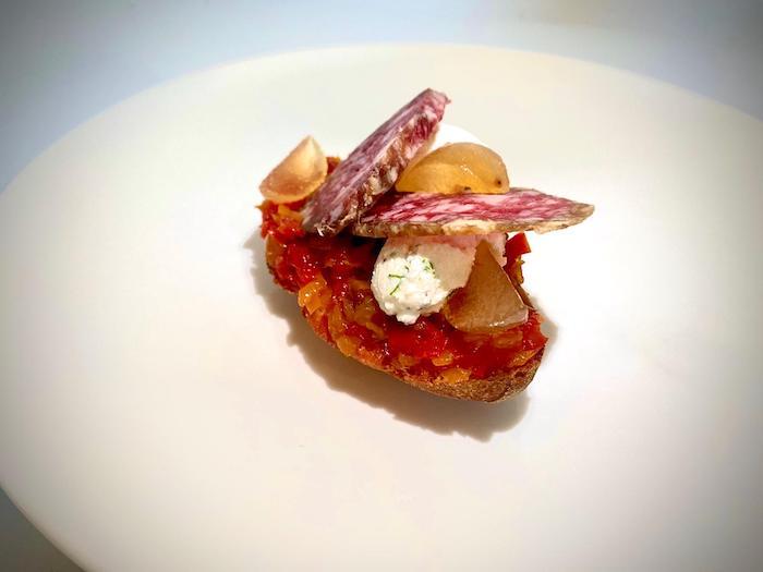 Bruschetta au caviar de poivrons