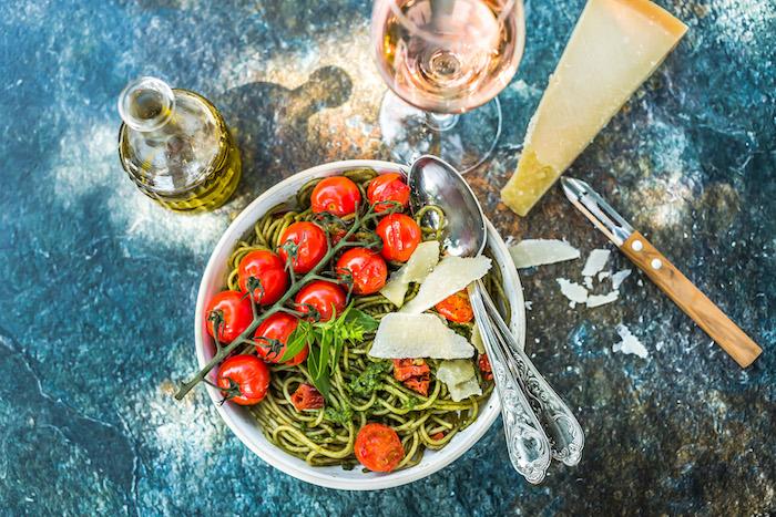 recette de Spaghetti au pesto de tomates maison