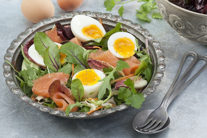 oeufs mollets sur salade folle