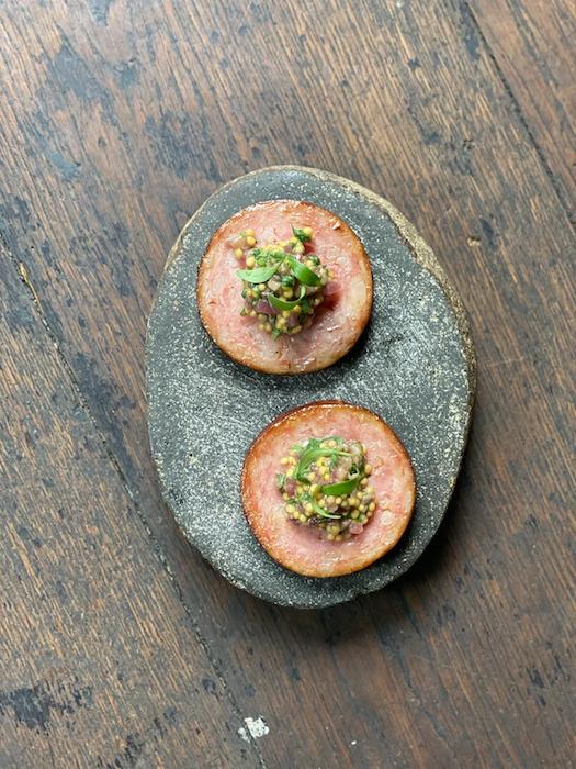 recette de Saucisse de Morteau rôtie aux anchois