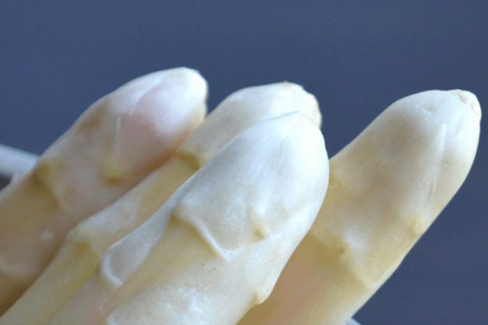 Les asperges blanches des Landes