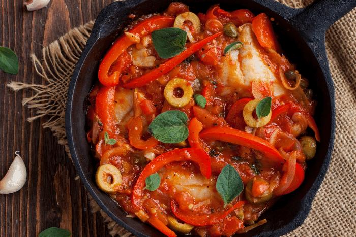 Cabillaud à la sauce tomate aux olives