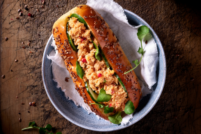 Hot dog aux rillettes de saumon
