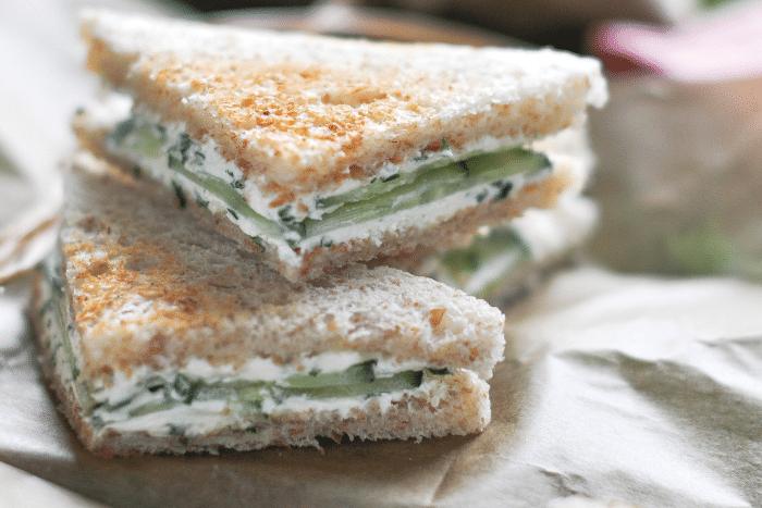 Mini club sandwichs au concombre