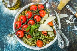 Spaghetti au pesto de tomates maison