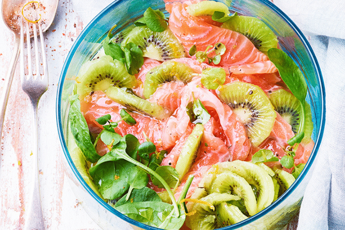 Salade de kiwi et saumon mariné