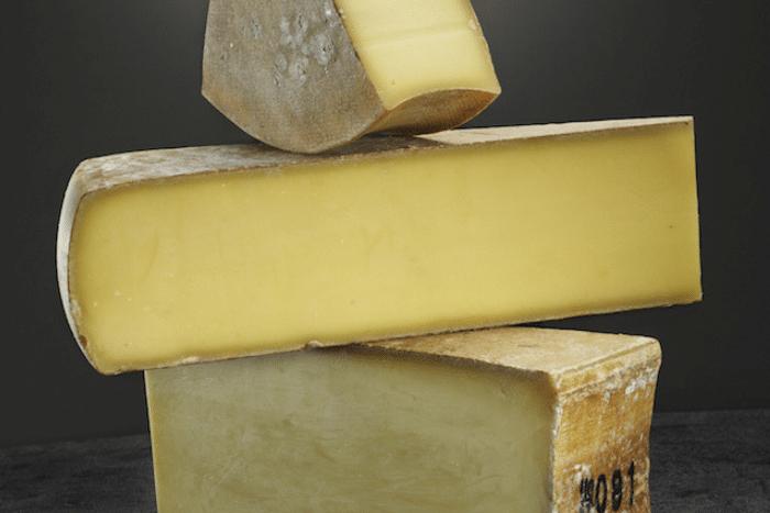Le top 10 des fromages à pâte dure