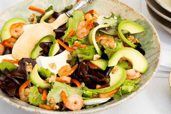 Salade de crevettes sautées