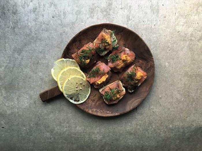 Saumon mariné façon gravlax
