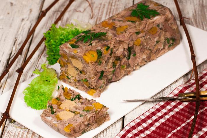 Terrine d'agneau au foie gras