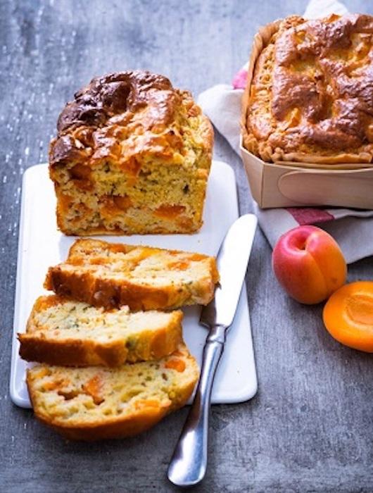 recette de Cake aux abricots et roquefort