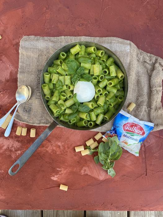 recette de Maccheroni au pesto di mozzarella